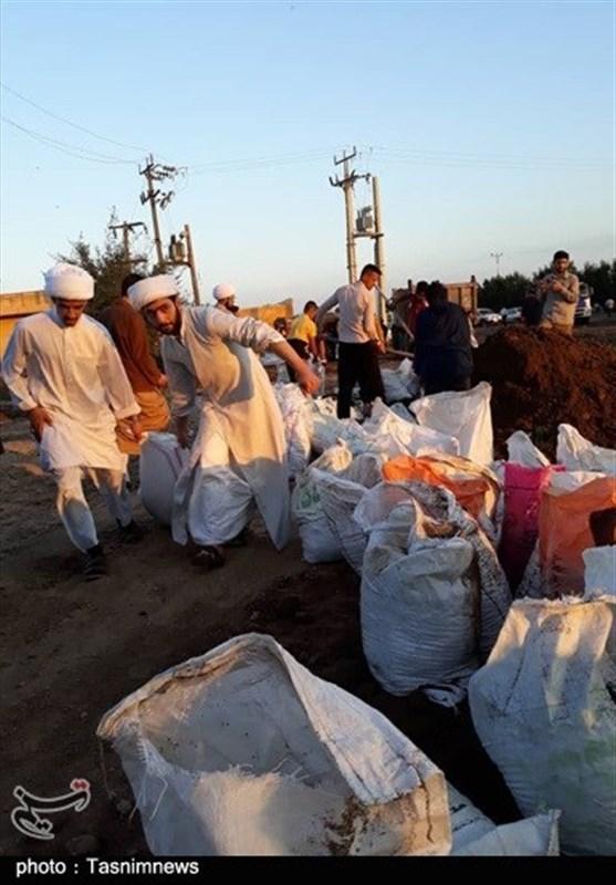 جلوهای از اقدامات جهادی طلاب و روحانیون در کمکرسانی به سیلزدگان خوزستان+تصویر