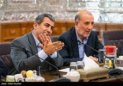 محمدرضا پورابراهیمی رئیس کمیسیون اقتصادی مجلس شورای اسلامی در جلسه مشترک دولت و مجلس با موضوع حمایت از تولید ملی