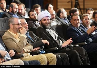 حجت الاسلام قمی در آیین اختتامیه هفته هنر انقلاب اسلامی