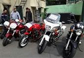 کشف موتورسیکلت سنگین قاچاق با شکل و شمایل پلیسی + تصاویر