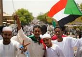السودان..التوقیع النهائی على الإعلان الدستوری بین المجلس الانتقالی العسکری وقوى المعارضة