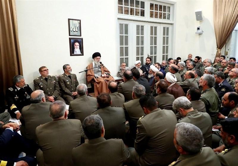 جمعی از فرماندهان ارتش با امام خامنهای دیدار کردند