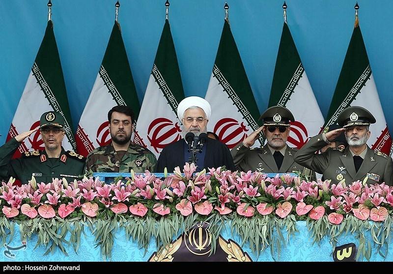 حجت الاسلام حسن روحانی رئیسجمهور در مراسم رژه روز ارتش در تهران