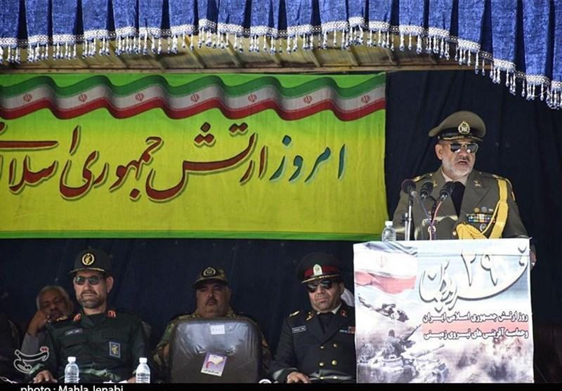 فرمانده قرارگاه منطقهای جنوب شرق ارتش: ارتش و سپاه تا محو کامل استکبار چون ید واحدی فعالیت میکنند