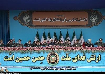 روحانی: الحرس الثوری احبط الدور الامریکی المشؤوم فی المنطقة