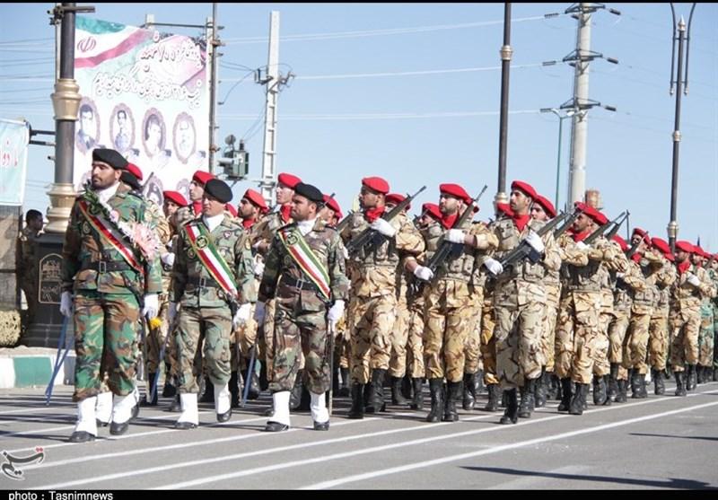 نمایش اقتدار نیروهای مسلح استان زنجان در رژه روز ارتش+تصاویر
