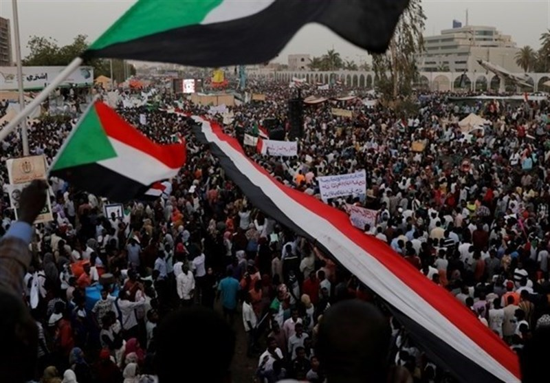Sudanese Call for Renewed Protests to Pressure Military