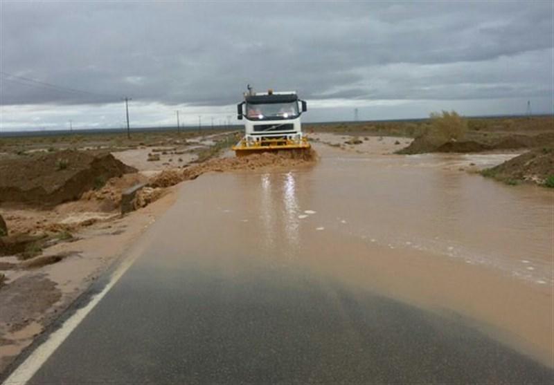 جدیدترین وضعیت محورهای مواصلاتی خوزستان؛ محور اهواز ـ آبادان مسدود است/جاده 21 روستا بسته شد