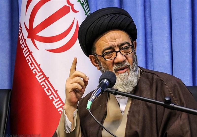 واکنش امام جمعه تبریز به حذف نام شهدا از خیابانها؛ با نفوذ فرهنگی آرمانهای شهدا را نشانه گرفتهاند