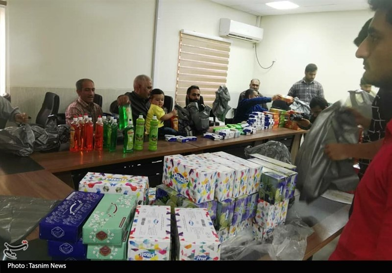 جانبازان قطع نخاعی خود را به کاروان کمکرسانی سیلزدگان خوزستان رساندند+ تصویر