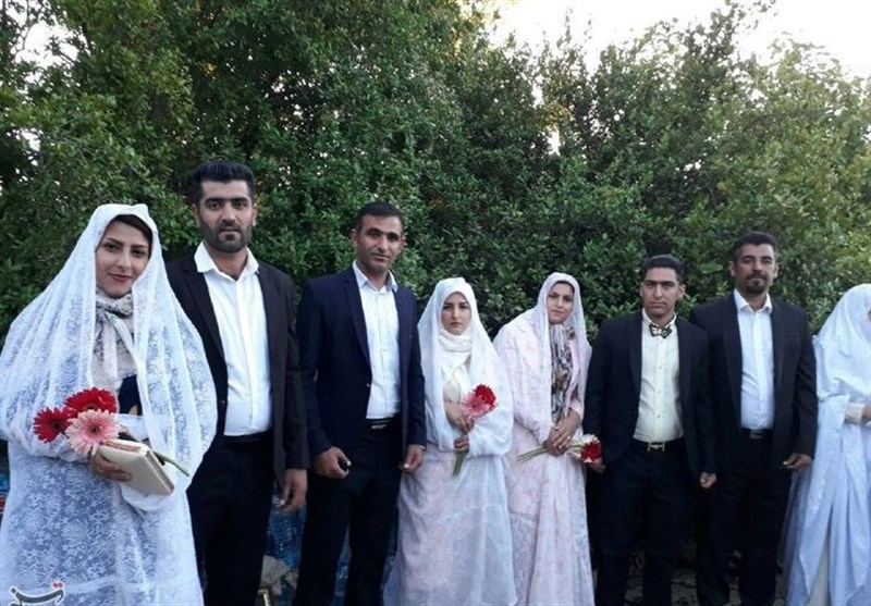 عروسی 8 زوج پلدختری روی سیل + تصاویر