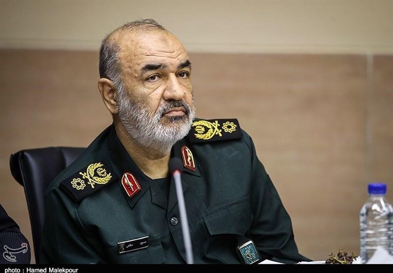 تبریک رئیس دانشگاه آزاد اسلامی به سرلشکر سلامی