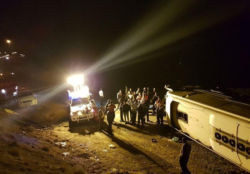 3 کشته و 15 زخمی بر اثر واژگونی اتوبوس در آزادراه زنجان ـ قزوین