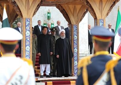 الرئیس روحانی یستقبل رئیس وزراء باکستان
