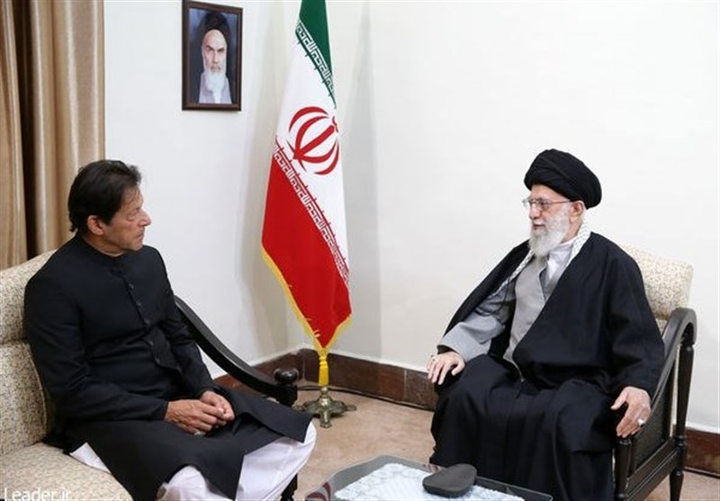 امامخامنهای:روابط ایران و پاکستان بر خلاف میل دشمنان آن باید تقویت شود