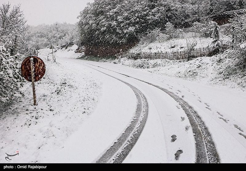 برف و باران در 4 استان/26 جاده کشور امروز مسدود است