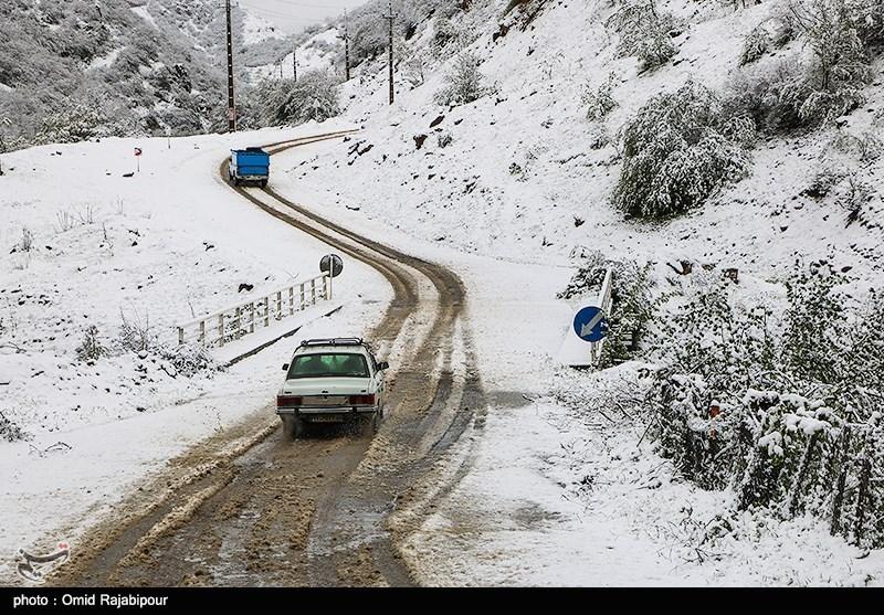 بارش برف در برخی نواحی شمالی استان سمنان؛ دما هوا تا 8 درجه سانتیگراد کاهش مییابد