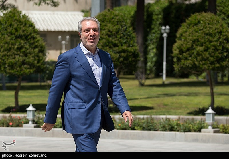 Minister Invites Foreign Tourists to Visit Iran