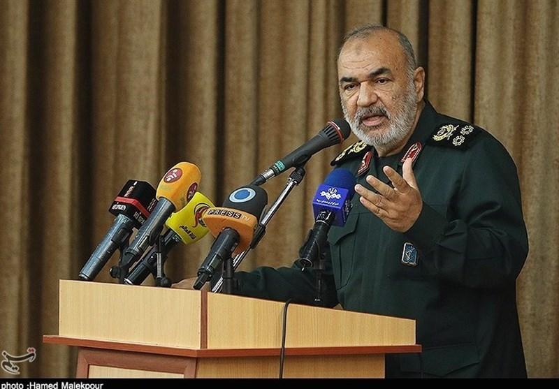 فرمانده سپاه: خلیج فارس پیشانی مستحکم دفاعی ما است/ برای دفاع به جغرافیای خاصی محدود نمی شویم
