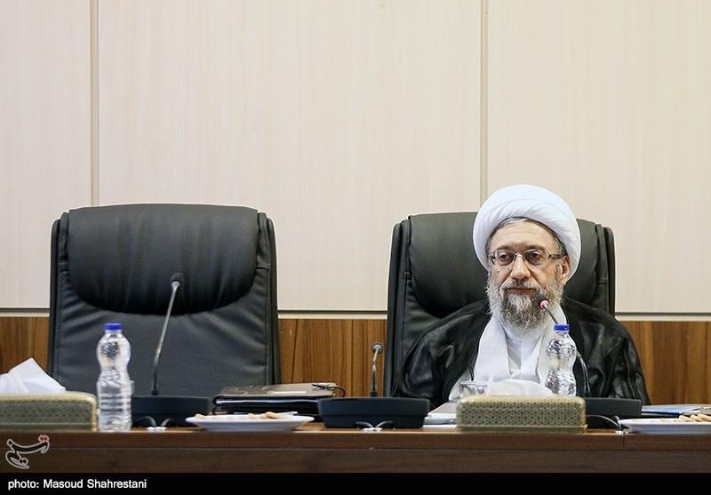 نامه آملی لاریجانی به محمد یزدی: هیچگاه از هیچ متخلفی حمایت نکردهام/ دروغ است که میخواهم به نجف بروم