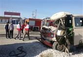 واژگونی مینیبوس در محور قائمیه به شیراز 12 مصدوم برجای گذاشت