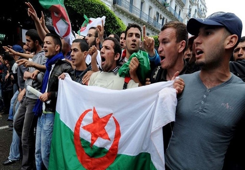 282 Held over Unrest in France after Algeria Football Win (+Video)