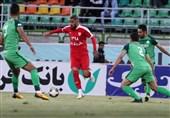 لیگ برتر فوتبال  پیروزی ذوبآهن مقابل تراکتورسازی در 45 دقیقه نخست