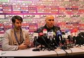 اصفهان| منصوریان: فکر نمیکردم تراکتورسازی ما را سورپرایز کند/ با استرس وارد زمین شدیم