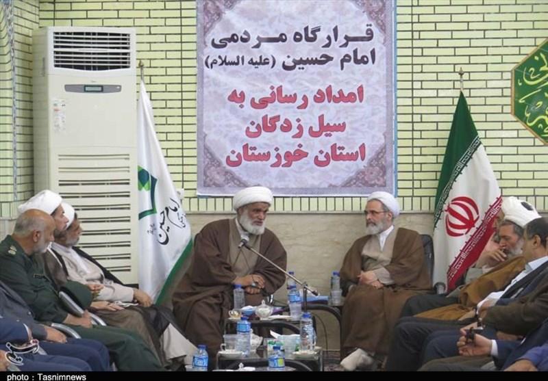 اهواز| مدیر حوزههای علمیه کشور: طلاب و روحانیون تا برطرف شدن مشکلات همراه سیلزدگان هستند