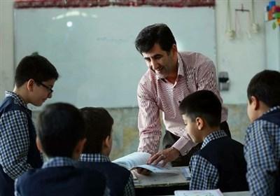 """من هم یک """"معلم"""" هستم با حقوق ۶۵۰ هزار تومان و کیلومترها زیر """"خط فقر!"""""""