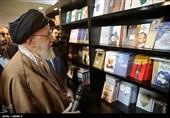 تنفس در هوای «بهار کتاب»/ روایتهایی از 22 دوره حضور رهبر انقلاب در نمایشگاه کتاب