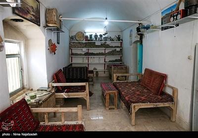 شهرستان گُناباد جنوبیترین شهرستان استان خراسان رضوی ایران است.