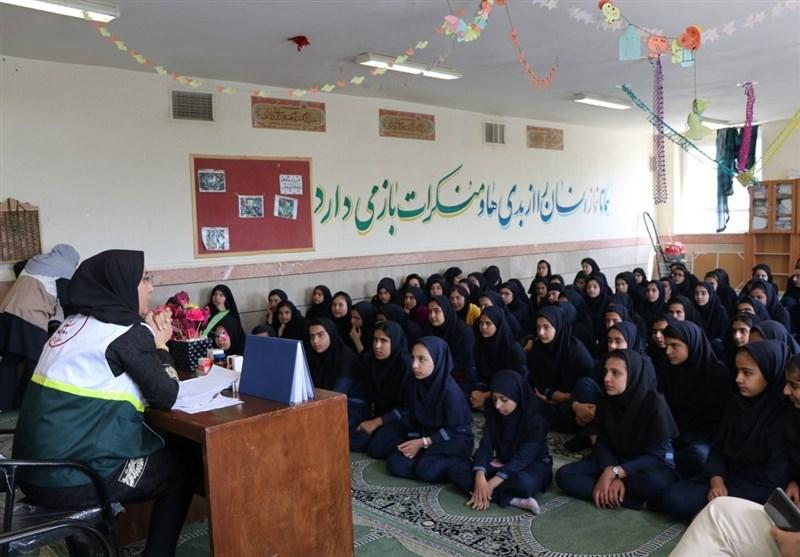 4 تیم بهداشتی، درمانی و دندانپزشکی به دبیرستان فدک خرمآباد اعزام شد