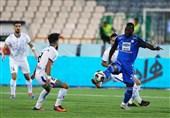 لیگ برتر فوتبال|تساوی استقلالیها در نیمه نخست