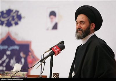 امام جمعه اردبیل: مسئولان تولید صنایع دستی استان اردبیل را حمایت کنند