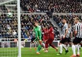 فوتبال جهان|لیورپول با پیروزی دیرهنگام در کورس قهرمانی ماند/ سرنوشت قهرمانی به هفته پایانی کشیده شد