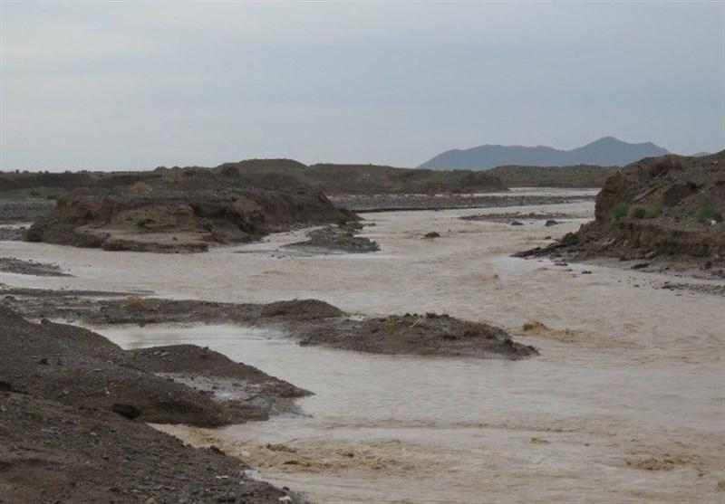 آخرین تلفات سیل در خراسان جنوبی؛ 3 نفر در درمیان مفقود و 5 گردشگر اسیر سیلاب شدند