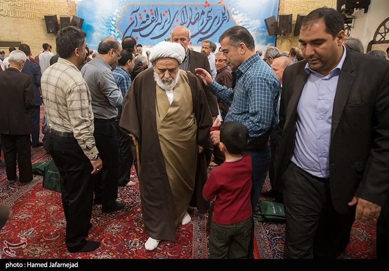 حجت الاسلام و المسلمین حسین انصاریان استاد اخلاق در مسجد حضرت امیر(ع)