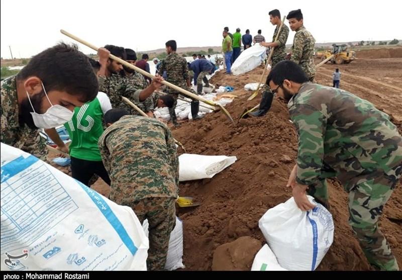 گروههای جهادی سپاه به کمک مناطق سیلزده گیلان شتافتند