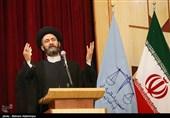 """امام جمعه اردبیل: شعرا و مداحان از """"غلو، دروغ و احساساتی شدن"""" پرهیز کنند"""