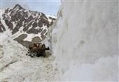 کهگیلویه و بویراحمد  بارش 3 متری برف جاده «سی سخت - پادنا» را مسدود کرد