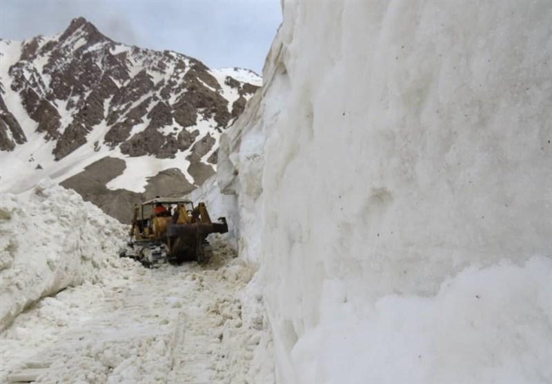 کهگیلویه و بویراحمد| بارش 3 متری برف جاده «سی سخت - پادنا» را مسدود کرد