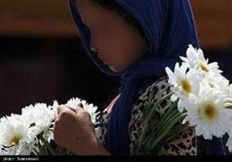 """دریده شدن """"دختربچه گلفروش"""" توسط سگهای خیابانی + عکس"""