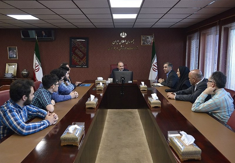دیدار مسئولان و قهرمانان شطرنج با وزیر ورزش