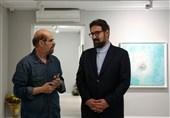 بازدید معاون هنری ارشاد از نمایشگاه نقاشیهای حبیبالله صادقی