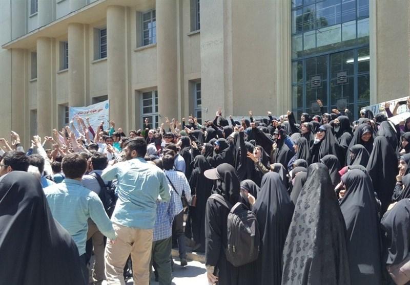 روایت یک دانشجو از چرایی و عوامل پشت پرده در تجمع دانشگاه تهران+ تصاویر