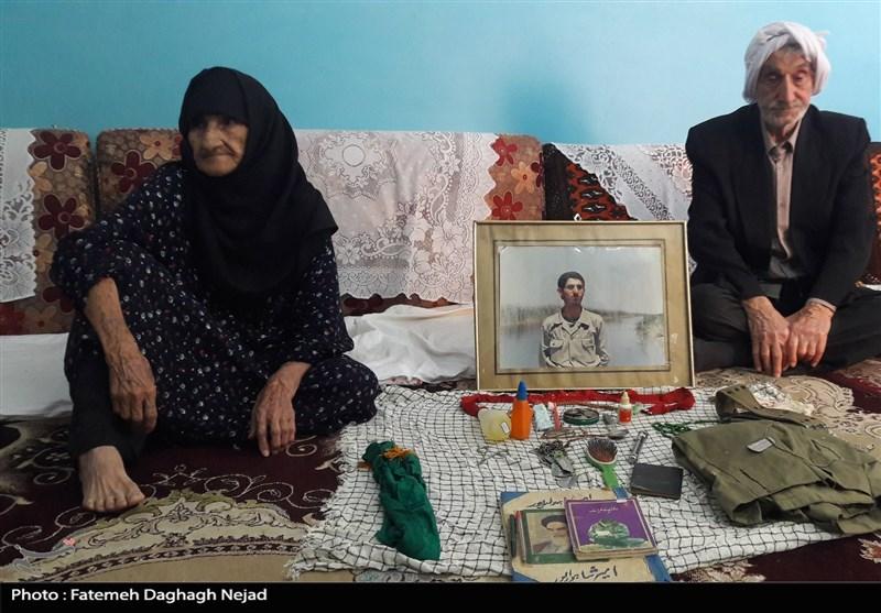اهواز| پای صحبت والدین شهید شاهوارپور: 10 سال از پیکر پسرمان خبری نداشتیم