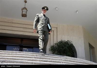 امیر سرتیپ امیر حاتمی در حاشیه جلسه هیئت دولت
