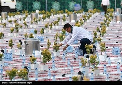 پوری دنیا میں افطاری کا سب سے بڑا دسترخوان