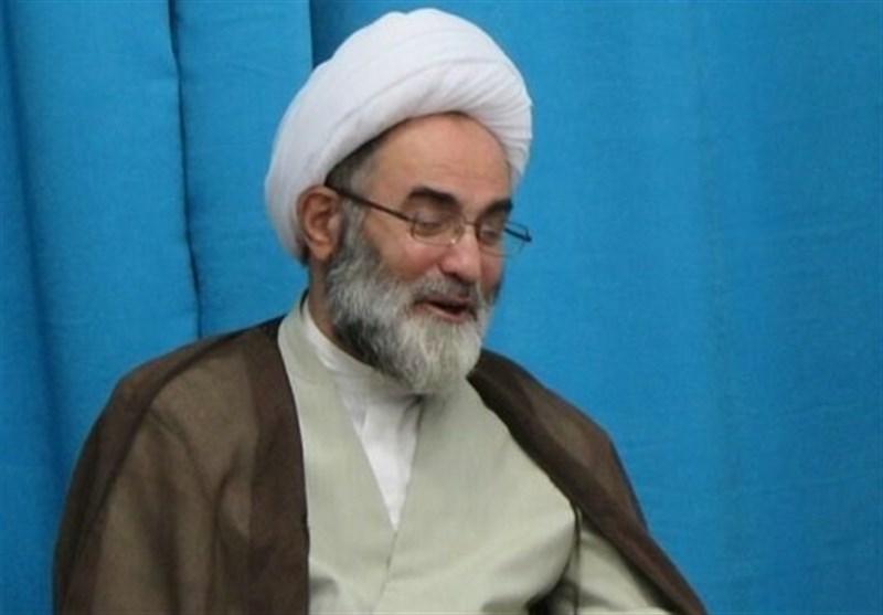 امام جمعه رشت: مسئولان با رفتار متواضعانه پاسخگوی مطالبات مردم باشند